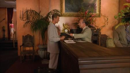 Jeffries_at_hotel_desk